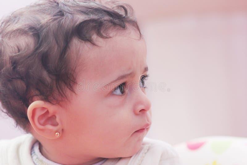 Sad Baby Girl Stock billeder - Hent 8,572 Royaltyfrie Billeder-2706