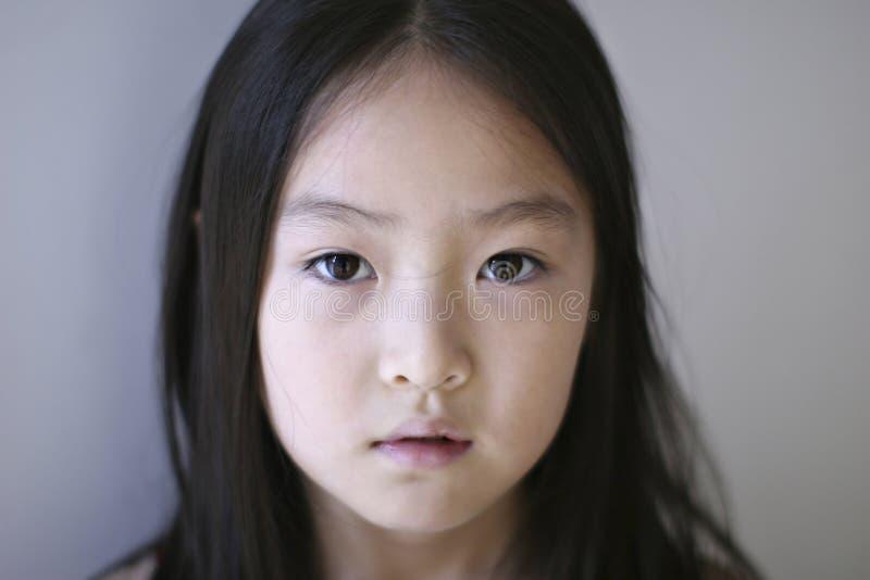 SAD kinesisk flicka royaltyfri fotografi