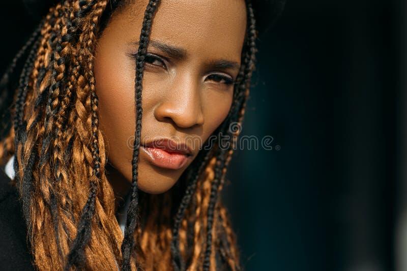 SAD kvinna för afrikansk amerikan Misstrogen sinnesrörelse royaltyfria foton