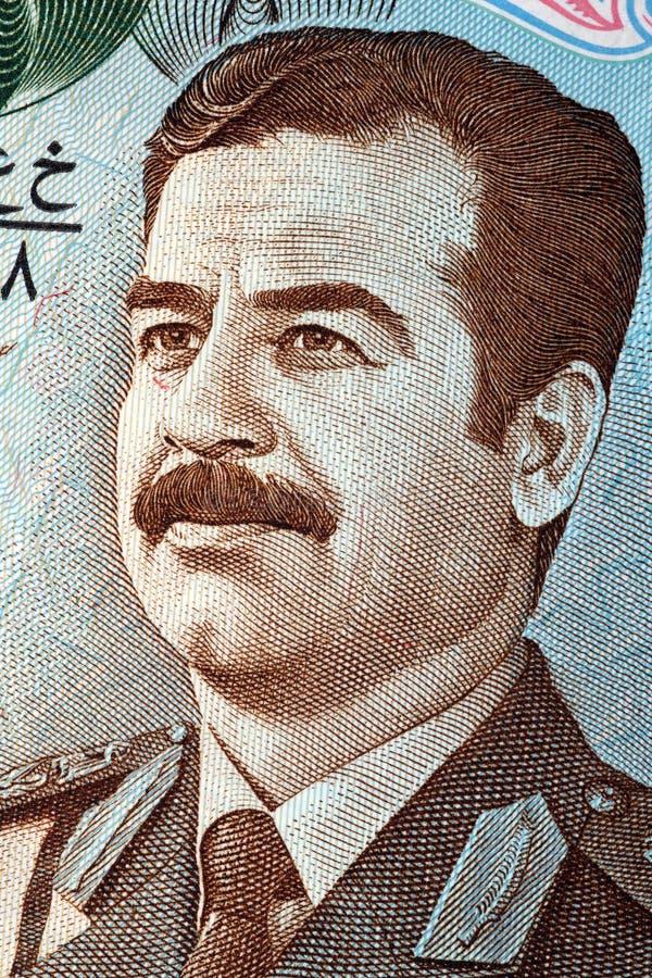 Saddam Hussein stående från gamla pengar för Irak ` s royaltyfri bild