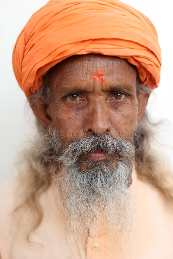 Sadhu (homem santamente) em Varanasi, India imagens de stock royalty free