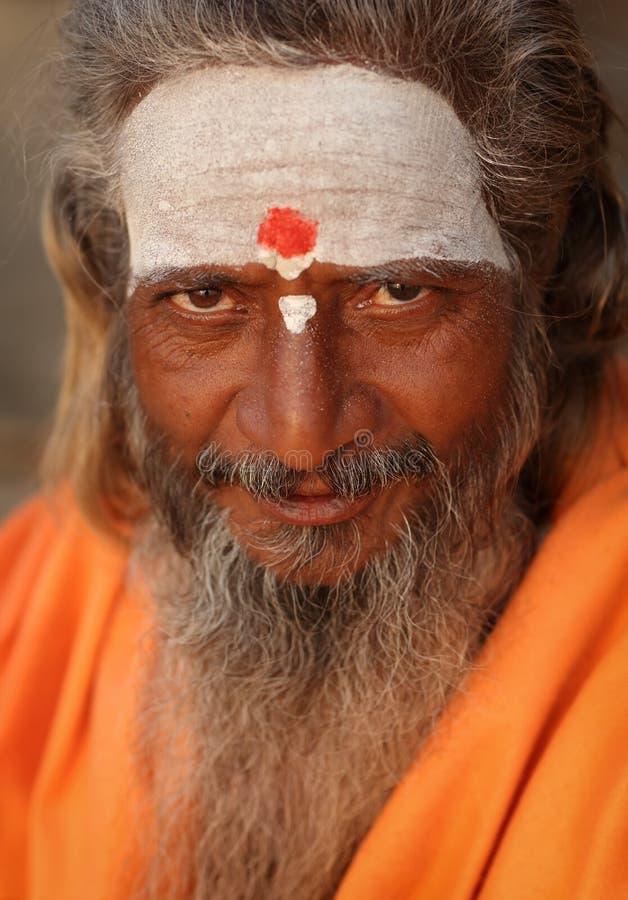 Sadhu (homem santamente) em Varanasi, India fotografia de stock
