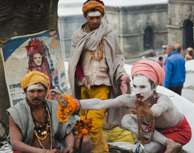 Sadhus, Heilige Mensen bij Mahashivaratri-Festival 2018 in Pashupatinath stock afbeeldingen