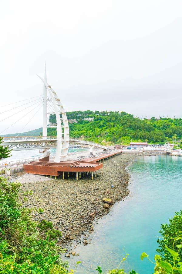 Download Saeyeongyo Bro Mellan Seaseom Och Seogwipo Port I Den Jeju Islaen Arkivfoto - Bild av bricked, lopp: 106832016