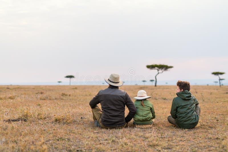 Safari da família em África fotografia de stock