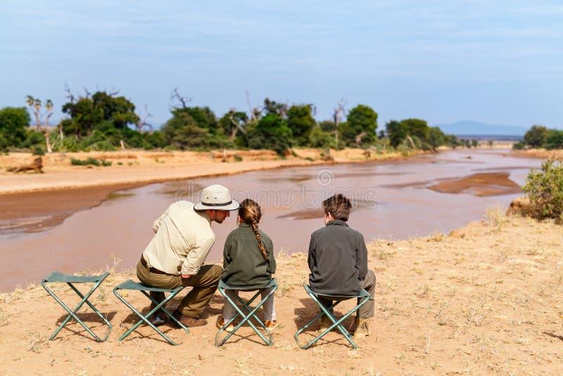 Safari della famiglia in Africa fotografie stock libere da diritti