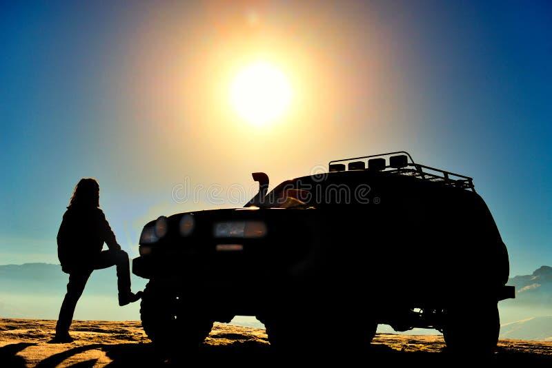 Safari, foto's, en avontuur & zonsondergangtijdconcept stock foto's