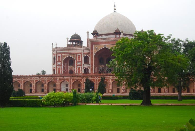 Safdarjung& x27 ; la tombe de s est un jardin dans le mausolée de marbre à Delhi, Inde photographie stock
