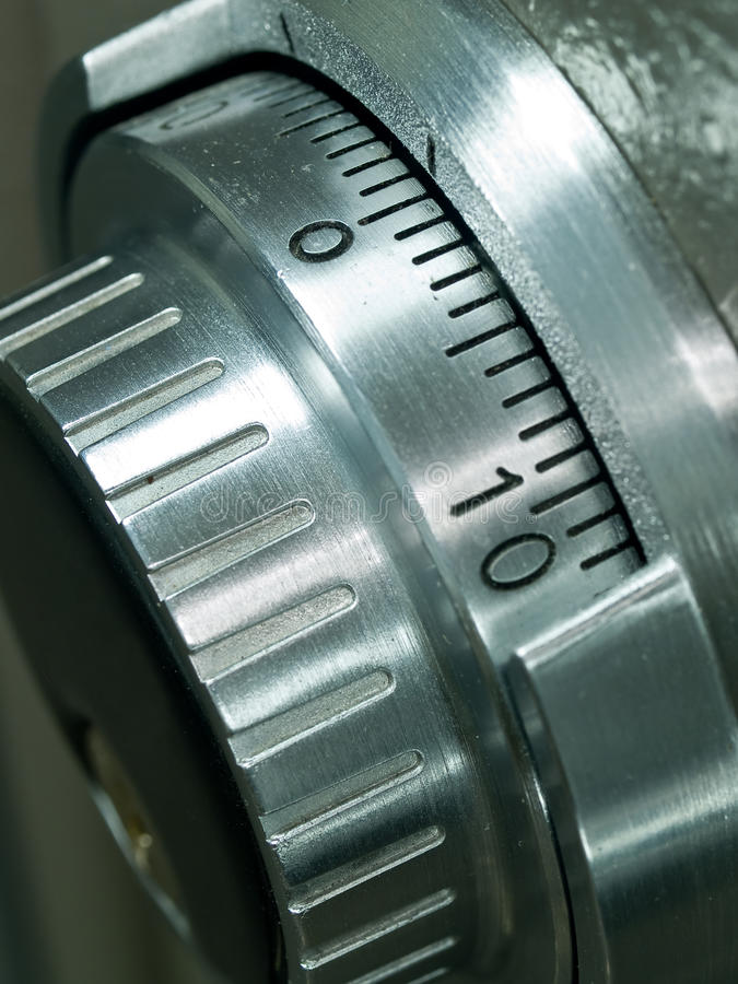 Free Safe Vault Combination Spinner Royalty Free Stock Photo - 12250405