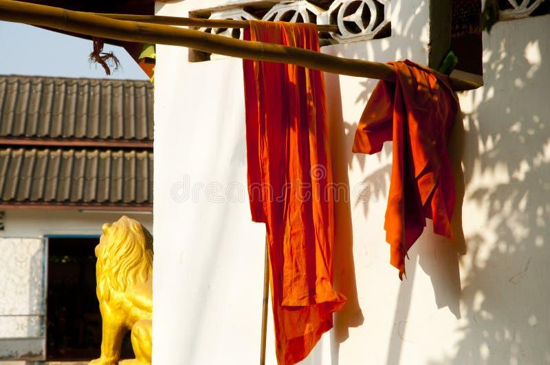 Saffranmunk Robes - Luang Prabang arkivfoton