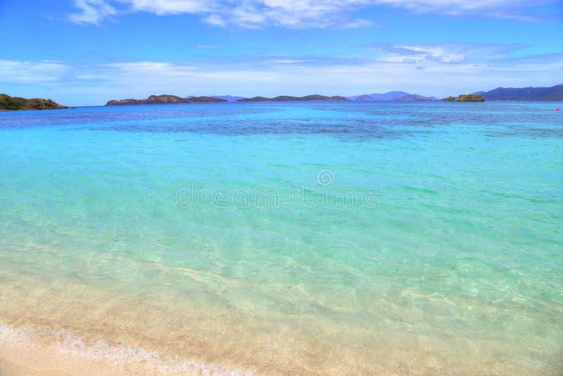 Safirstrand på den St Thomas ön arkivfoton