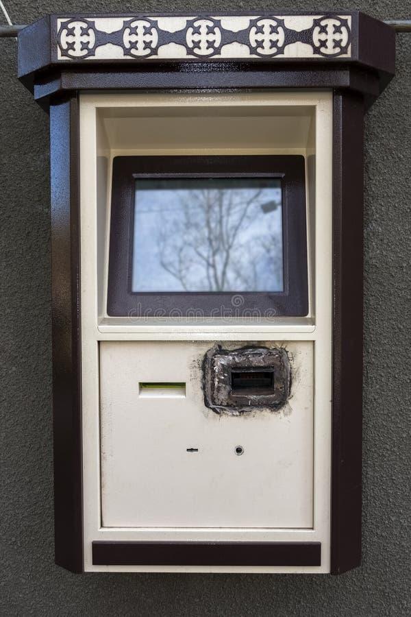 Safter de paiement-terminal de libre service entaillant l'accepteur de facture photo stock
