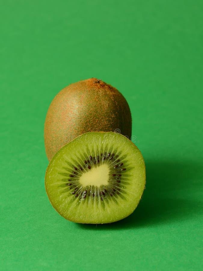Saftig kiwi royaltyfria bilder