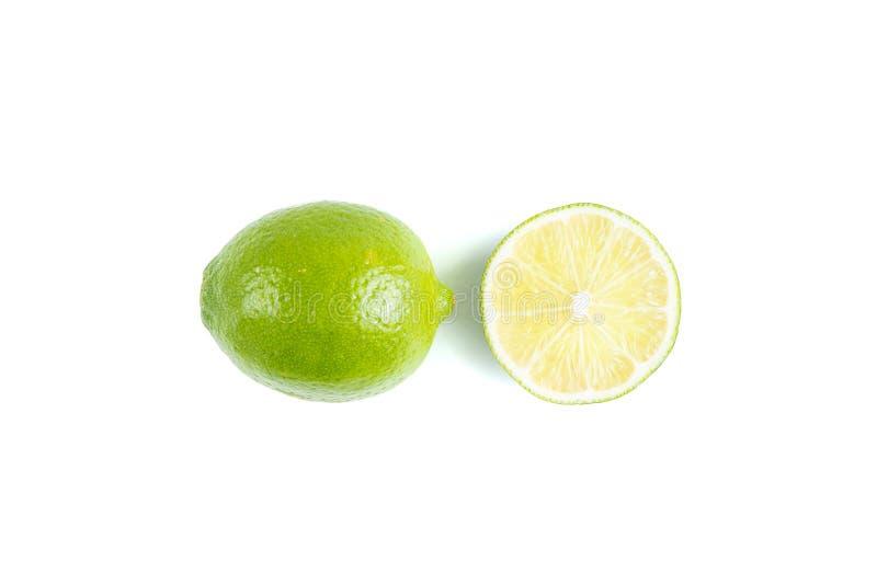 Saftig limefrukt p? vit bakgrund fotografering för bildbyråer