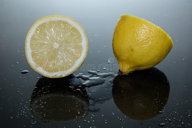 Saftige Zitrone lizenzfreie stockfotografie