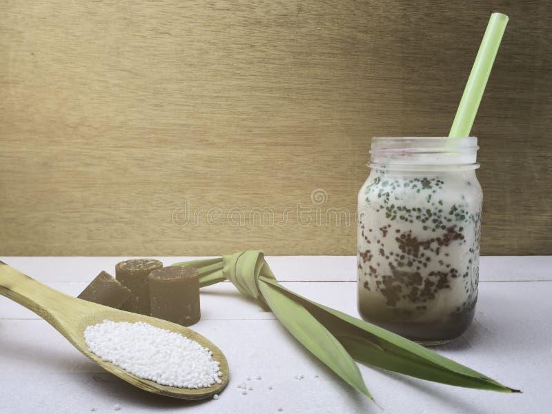 Sagú azucarado con el azúcar marrón Concepto del refresco fotos de archivo