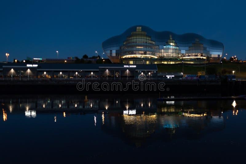 Sage Gateshead la nuit image libre de droits