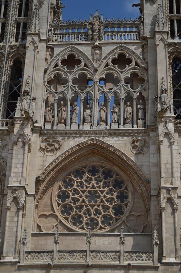 Sagolika Rosette On The Main Facade av den daterade domkyrkan i det 12th århundradet i Burgos Augusti 28, 2013 Burgos Castilla Le arkivbilder