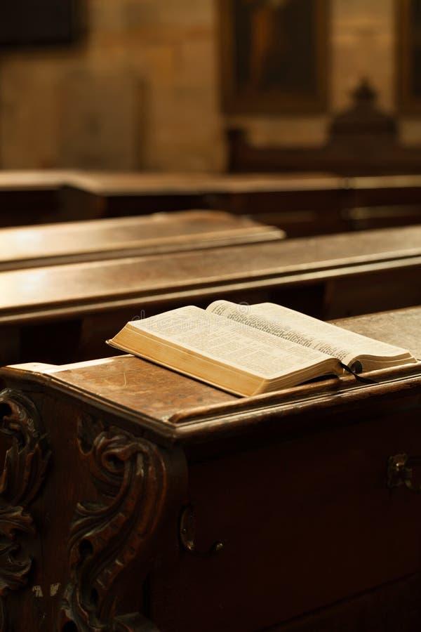 Sagrada Biblia fotos de archivo libres de regalías