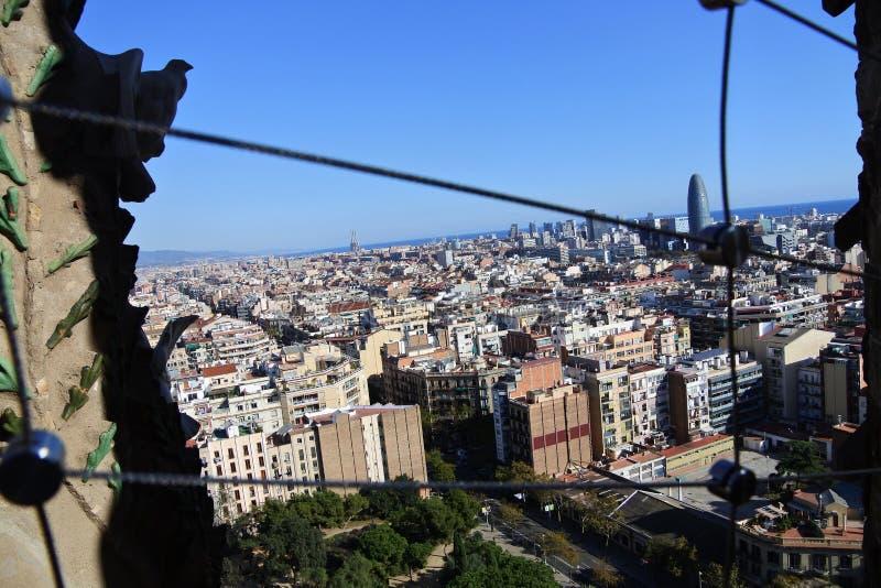 Sagrada Familia塔城市全景 库存照片