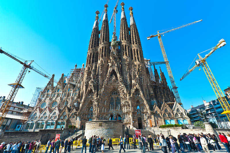 Download Sagrada Familia editorial photography. Image of city - 21582612