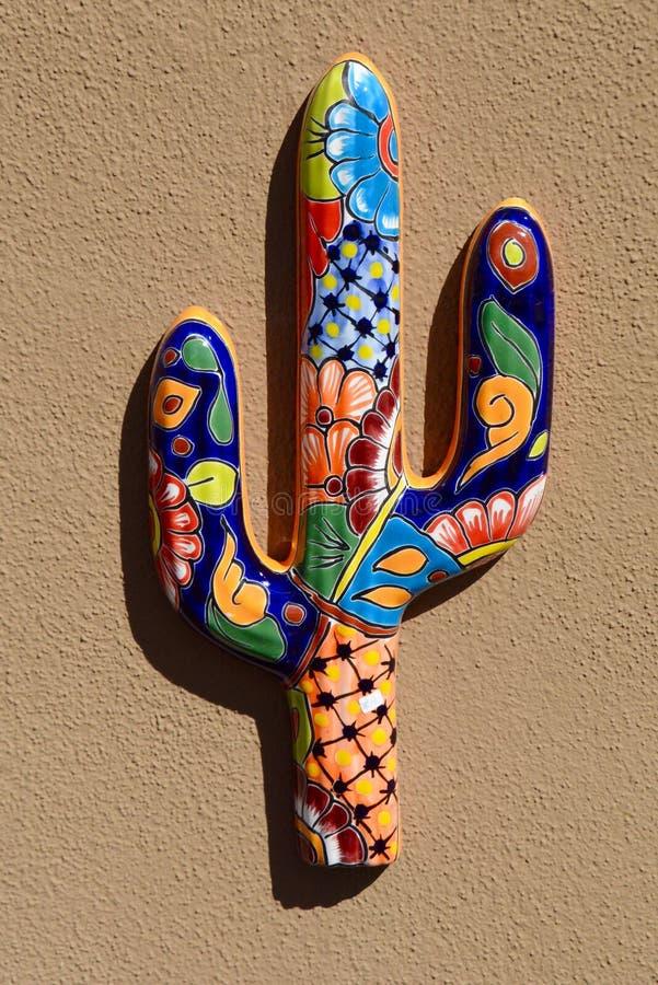 Saguaro στην κεραμική στοκ εικόνες με δικαίωμα ελεύθερης χρήσης