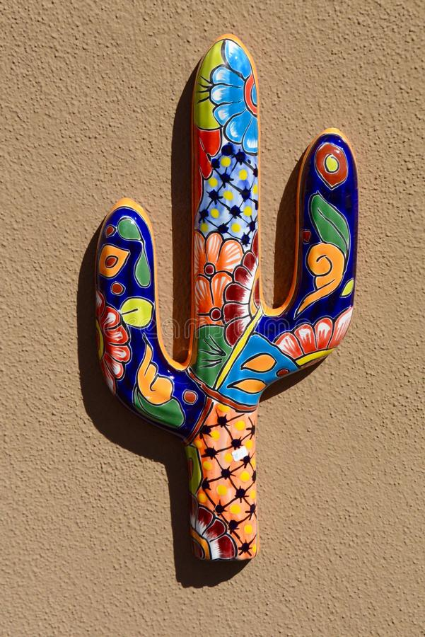 Saguaro na cerâmica imagens de stock royalty free