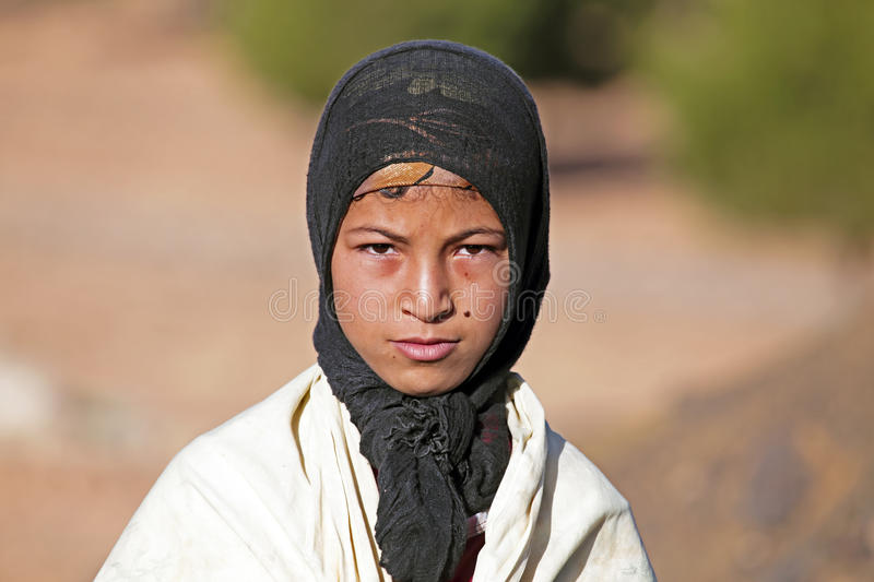 Download SAHARA DESERT, MOROCCO 19 OCTOBER 2013: Young Nomad Woman In The Editorial Image - Image: 36243515