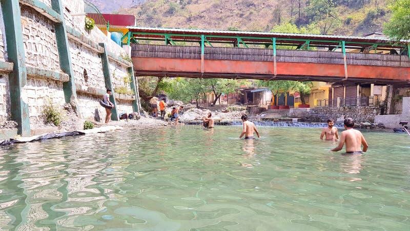 Sahastradhara em Dehradune a mola de água do enxofre imagem de stock royalty free