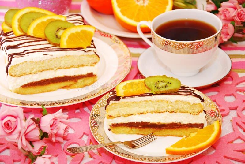 Sahnekuchen mit Früchten stockfoto