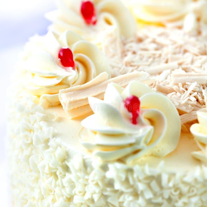 Sahnekuchen mit weißer Schokolade lizenzfreies stockbild