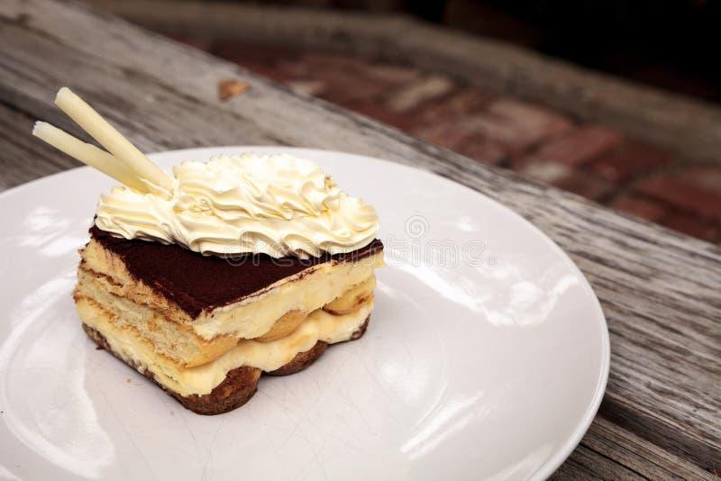 Sahniger italienischer Tiramisu mit einem Kaffee würzte Vanillepudding lizenzfreie stockbilder
