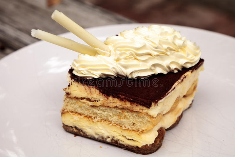 Sahniger italienischer Tiramisu mit einem Kaffee würzte Vanillepudding lizenzfreie stockfotos