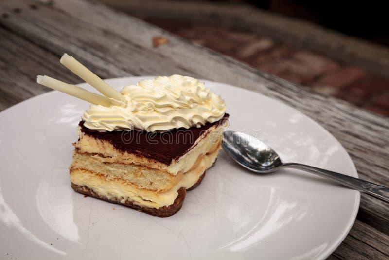 Sahniger italienischer Tiramisu mit einem Kaffee würzte Vanillepudding stockfotografie