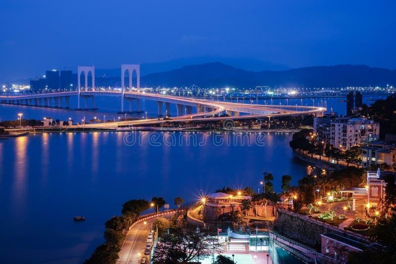 Sai Van Bridge-mening bij nacht, Macao royalty-vrije stock afbeeldingen