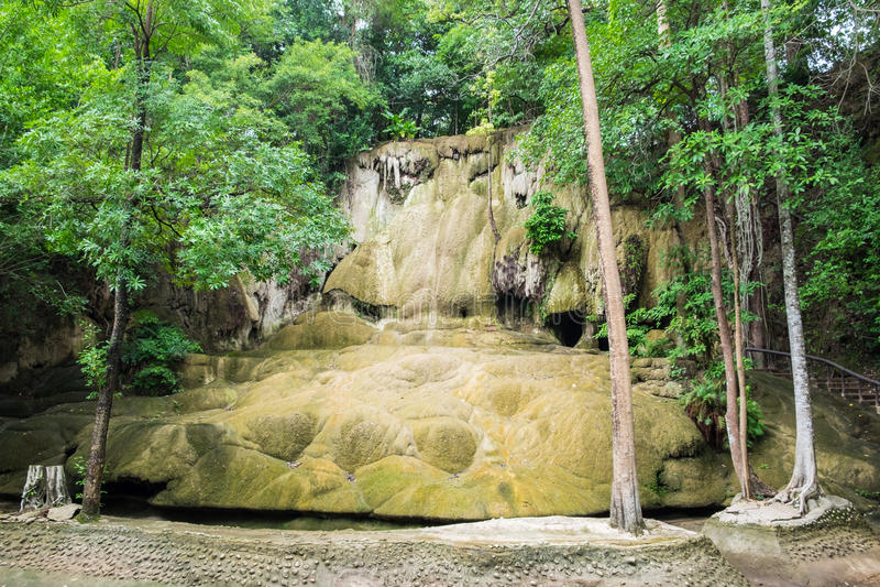 Sai-yok noi-Wasserfall trocken lizenzfreies stockfoto