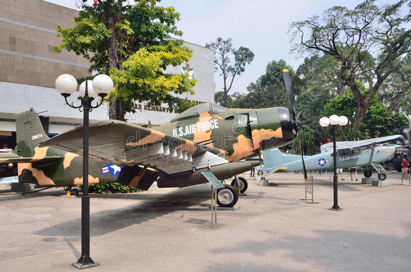 Saigon, Βιετνάμ, 20 Ιανουαρίου, 2015 Κανένας, αμερικανικά αεροπλάνα στο πολεμικό μουσείο του Βιετνάμ σε Saigon στοκ εικόνες με δικαίωμα ελεύθερης χρήσης