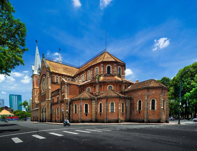 Saigon Notre-Dame domkyrkabasilika - Vietnam royaltyfri fotografi