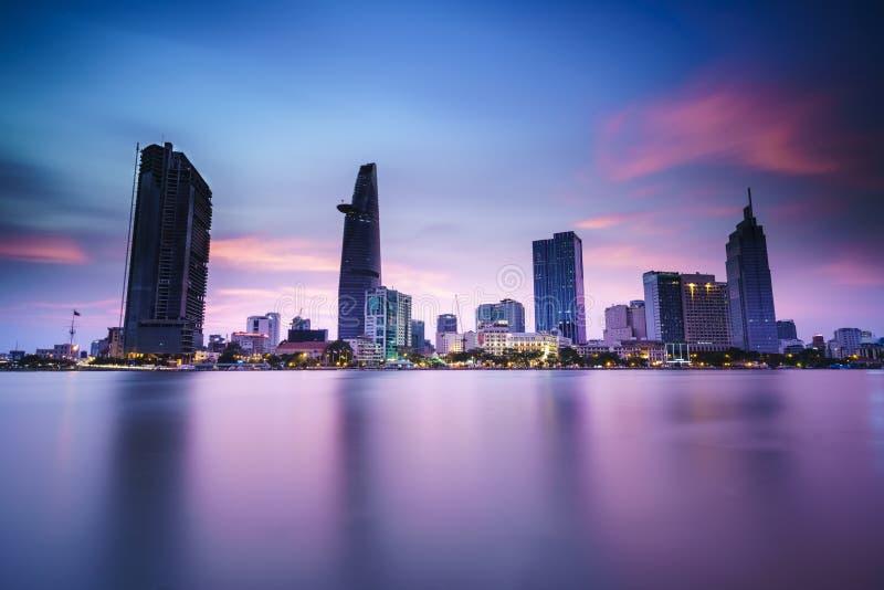 Saigon-Skyline mit Fluss, Vietnam stockfoto