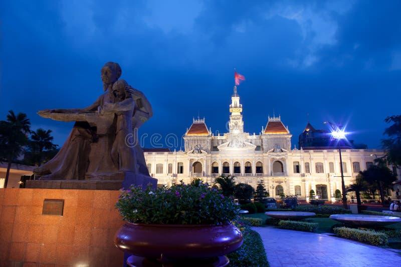 saigon vietnam för byggnadskommittéfolk s royaltyfri foto