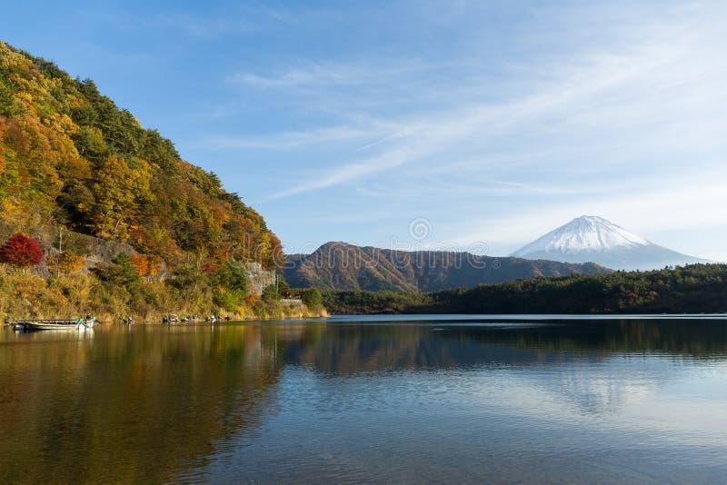 Saikomeer en Berg Fuji stock foto