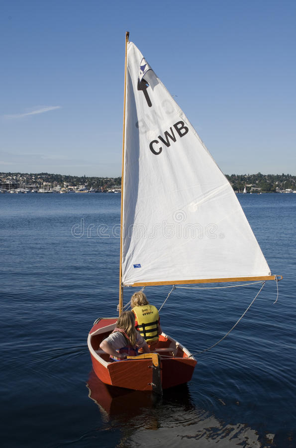 Download Sail boat on Union Lake editorial stock photo. Image of vests - 18717128