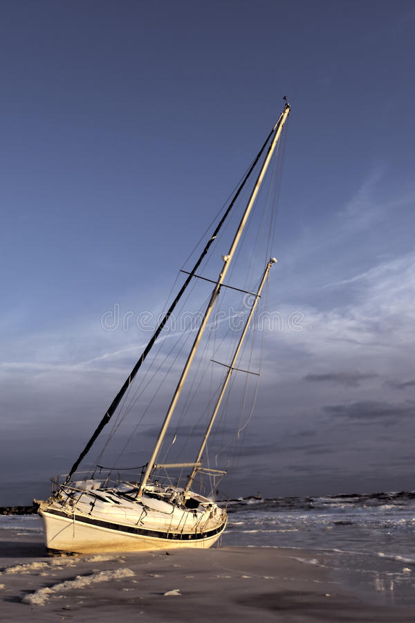Sailboad ruinierte lizenzfreie stockfotos