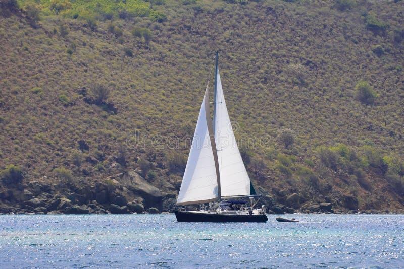 Sailboat nos tropics fotos de stock royalty free