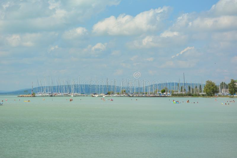 Sailboats στη λίμνη Balaton στοκ φωτογραφία με δικαίωμα ελεύθερης χρήσης