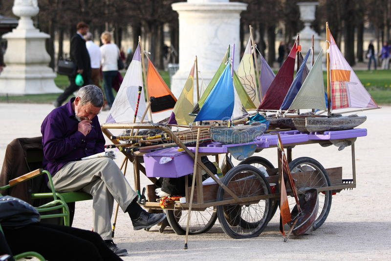 Sailboats em Paris fotografia de stock royalty free