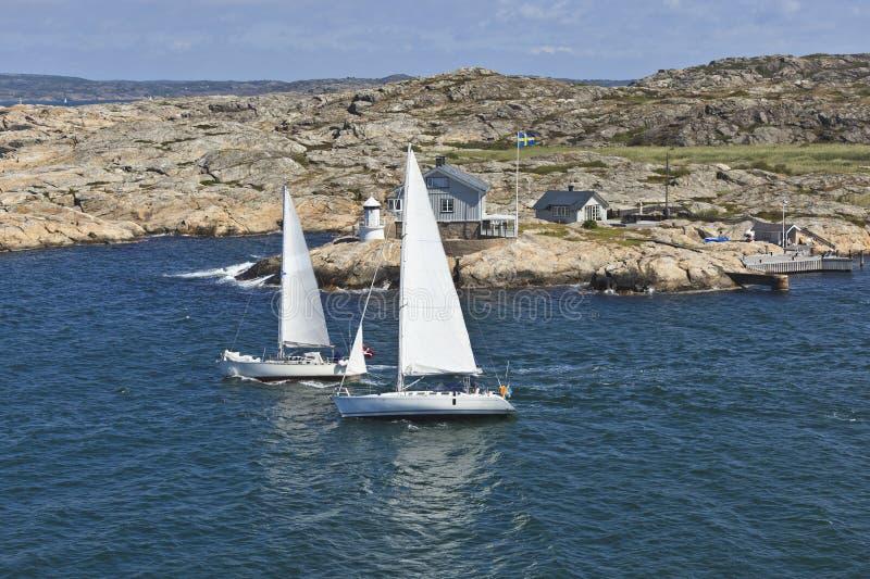 Sailboats no arquipélago fotos de stock royalty free
