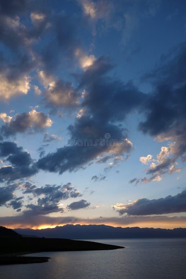 Sailimumeer bij zonsondergang royalty-vrije stock foto's