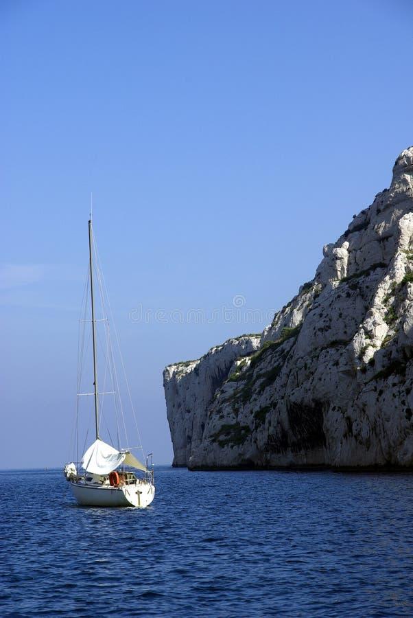 sailing cassis calanches шлюпки стоковое фото rf