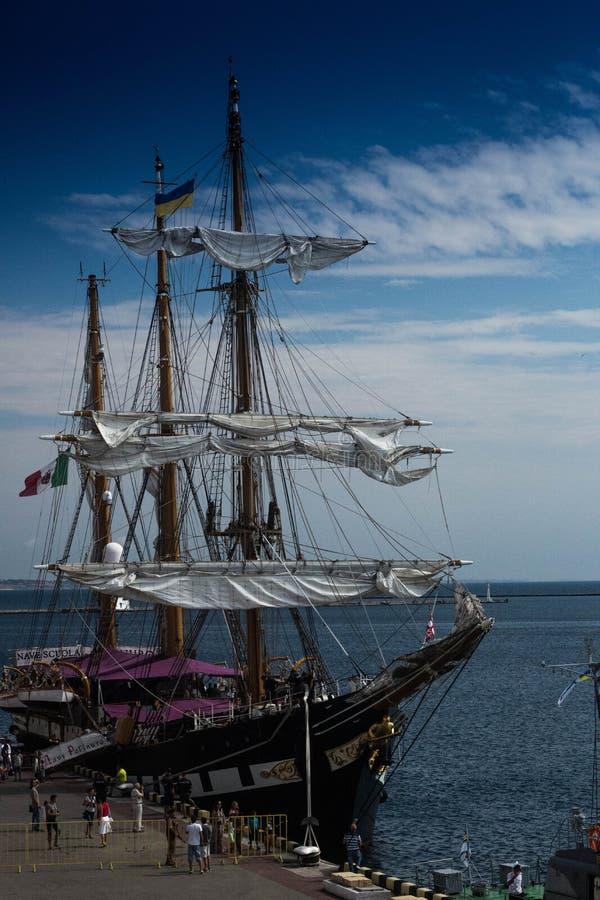 Sailing Ship, Tall Ship, Ship, East Indiaman Free Public Domain Cc0 Image